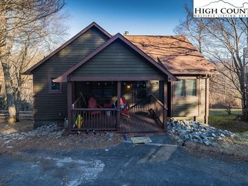 250 Grovers Knob Blowing Rock, NC 28605 - Image 1