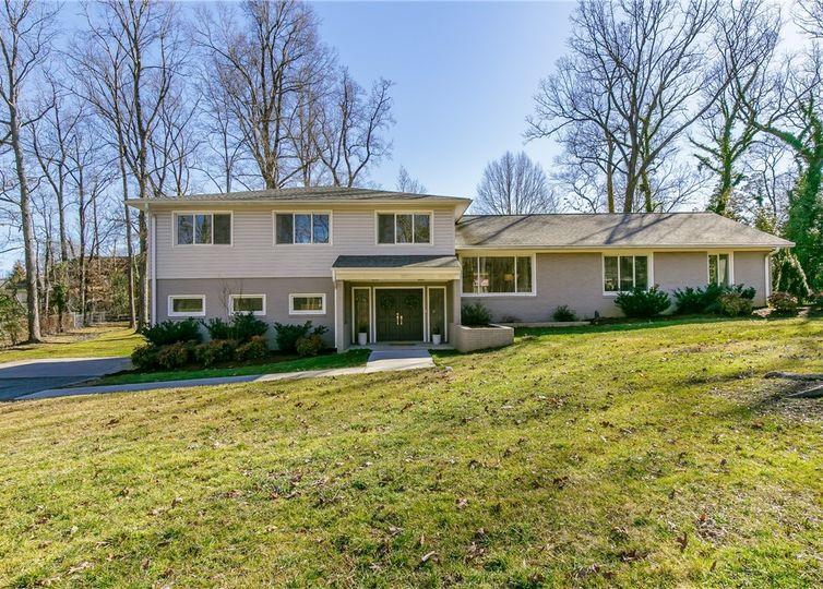 2226 Lakeview Terrace Burlington, NC 27215