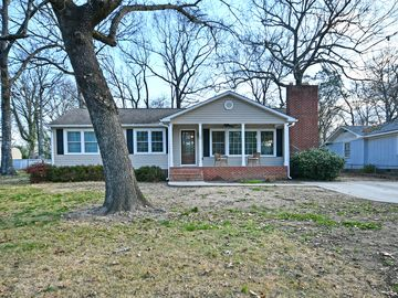 10 Brewster Drive Taylors, SC 29687 - Image 1