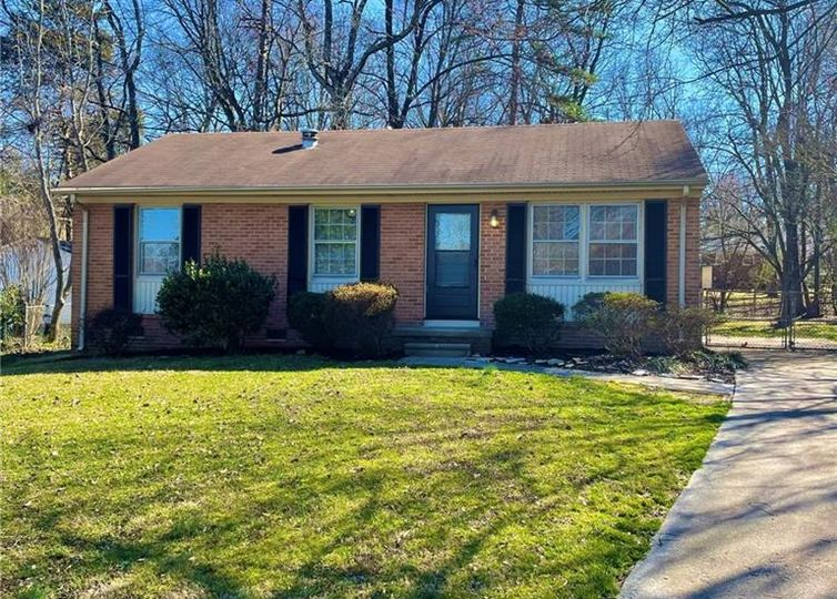 4109 Flagstaff Court Greensboro, NC 27406