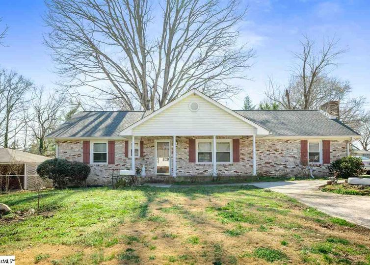 104 Brushy Creek Road Taylors, SC 29687
