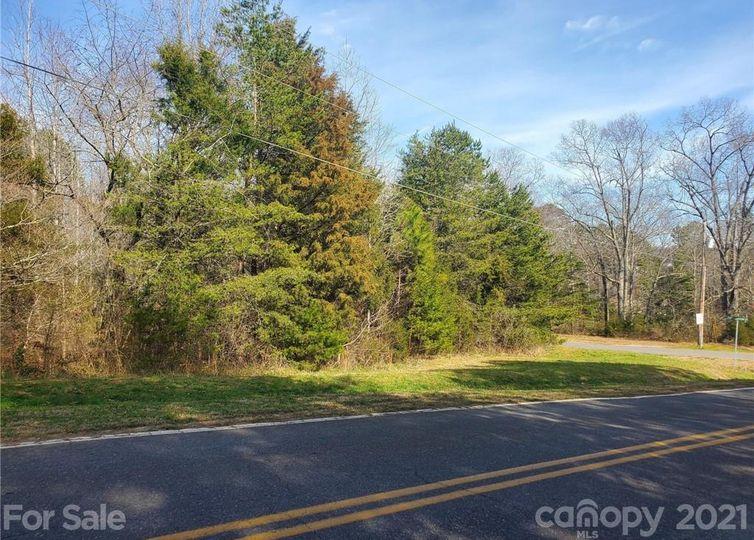 213 Harbor Point Drive Cherryville, NC 28021