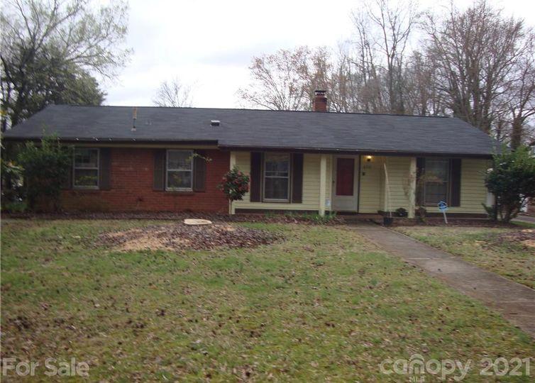 6701 Woodfield Drive Charlotte, NC 28215