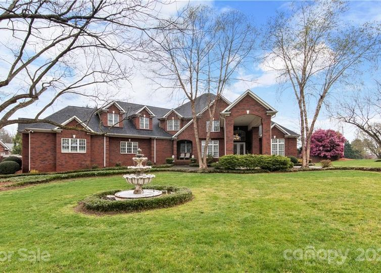 2900 Eppington South Drive Fort Mill, SC 29708