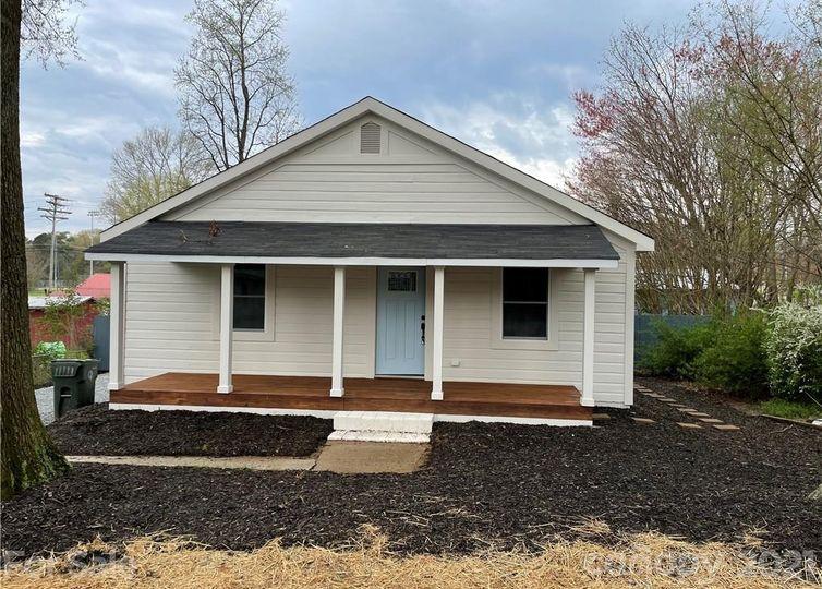 19619 Center Street Cornelius, NC 28031