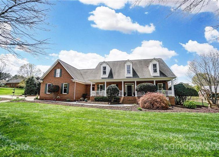 7000 High Meadow Drive Weddington, NC 28104