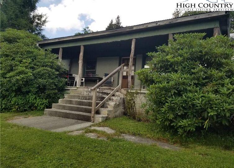 595 Shawnee Road Banner Elk, NC 28604