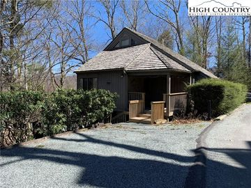 234 Beech View Road Sugar Mountain, NC 28604 - Image 1