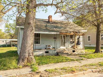 320 Beauregard Street Clinton, SC 29325 - Image 1