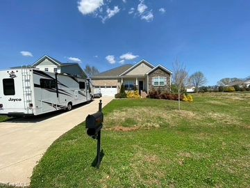 3173 Knoll Ridge Drive Walkertown, NC 27051 - Image 1