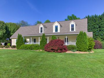 4702 Shoreham Road Greensboro, NC 27455 - Image