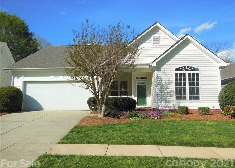 614 Ridgely Green Drive Pineville, NC 28134