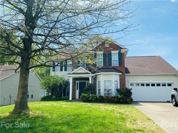 10208 Fairbourne Court Charlotte, NC 28269 - Image