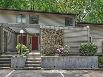 3605 Maple Glen Lane Charlotte, NC 28226 - Image 1