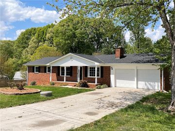 111 Roswell Court Kernersville, NC 27284 - Image 1