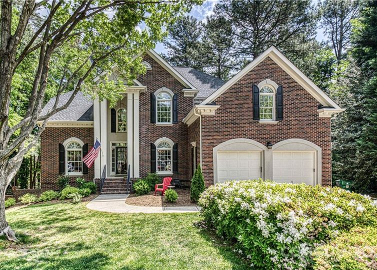 2305 Fontaine Court Charlotte, NC 28270