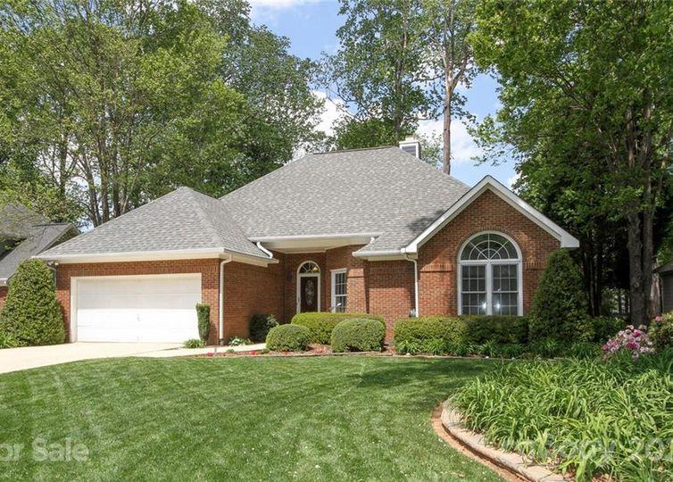 9025 New Oak Lane Huntersville, NC 28078