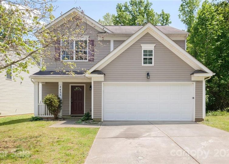 2435 Cairns Mill Court Charlotte, NC 28269
