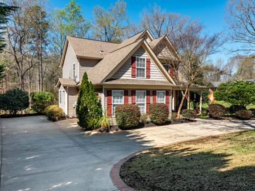 36 Cedar Lane Greer, SC 29651 - Image 1