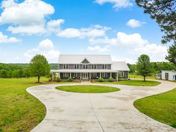 455 Lakeview Drive Pickens, SC 29671 - Image 1