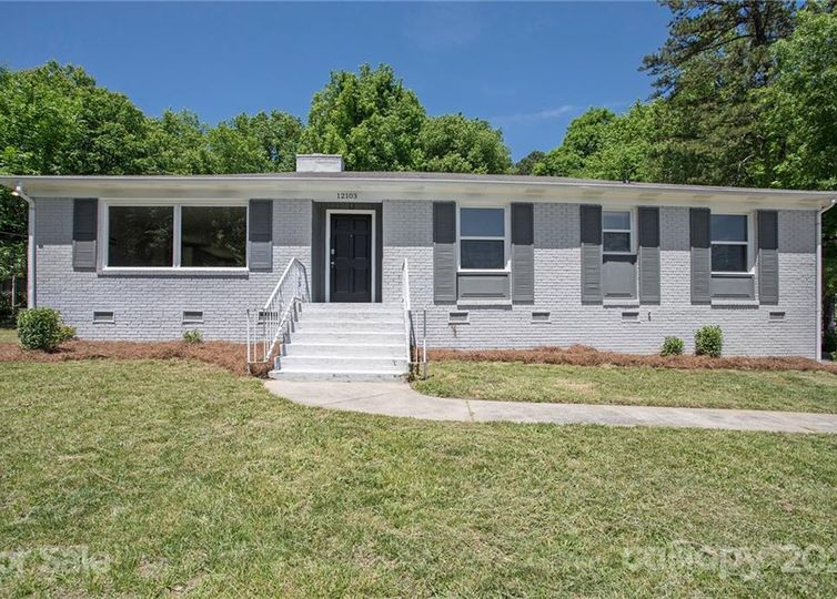 12103 Plover Drive Charlotte, NC 28269