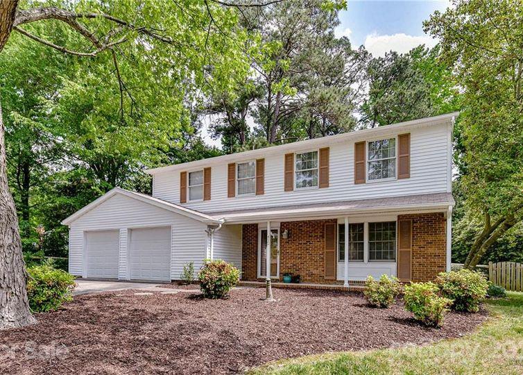 412 Regency Drive Charlotte, NC 28211