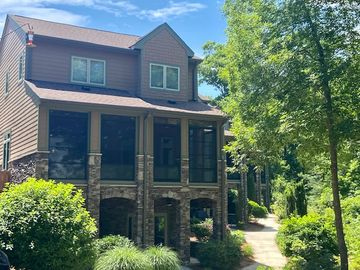 418 Sunset Point Drive West Union, SC 29696 - Image 1