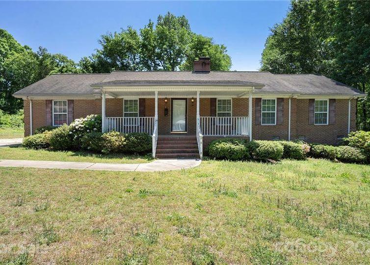 459 Barrington Place Concord, NC 28027
