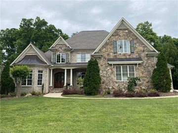 6 Wynnewood Court Greensboro, NC 27408 - Image