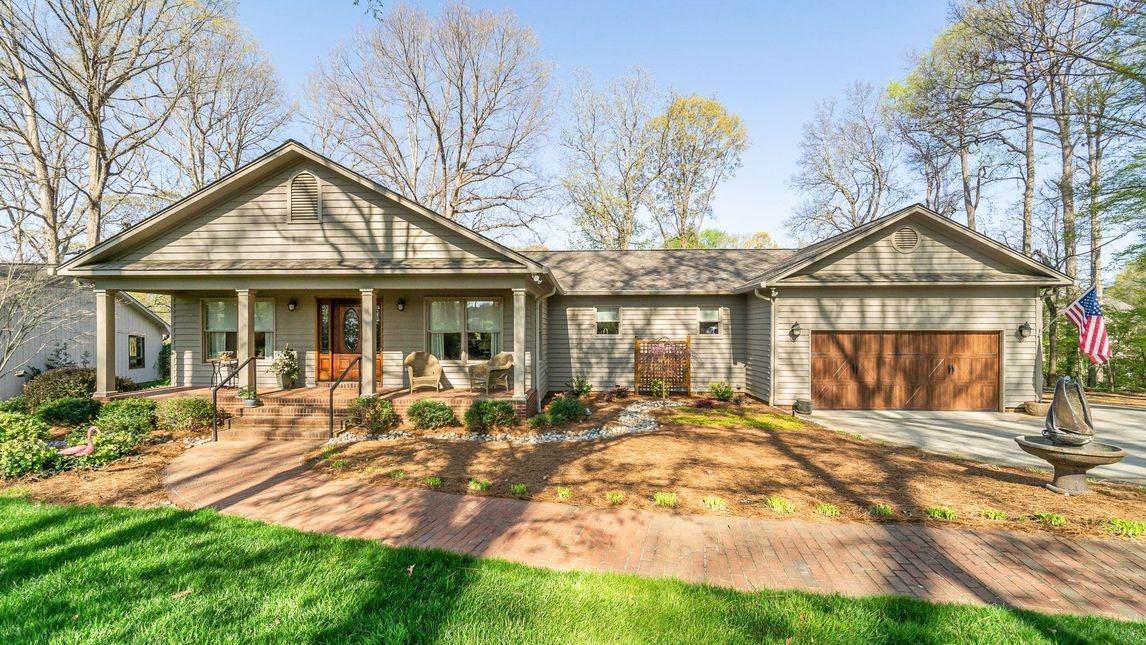 188 Queens Cove Road Mooresville, NC 28117