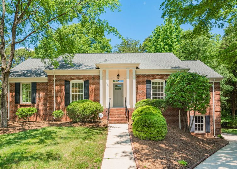 6000 Hickory Forest Drive Charlotte, NC 28277