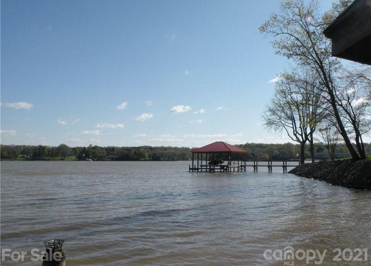 6958 Pine Moss Lane Lake Wylie, SC 29710