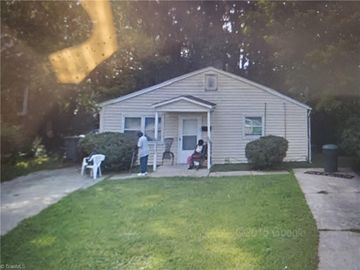 207 Shaw Street Greensboro, NC 27401 - Image