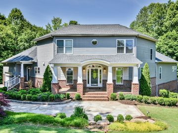 31 Silver Knoll Court Greer, SC 29651 - Image 1