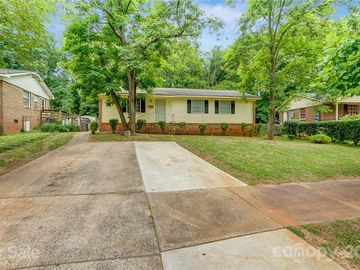 9422 Spruce Pine Place Charlotte, NC 28210 - Image 1