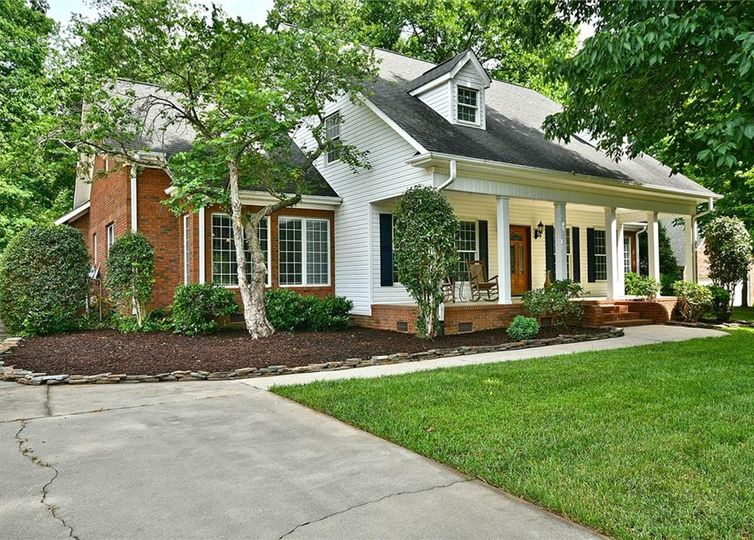 205 Inverness Way Easley, SC 29642