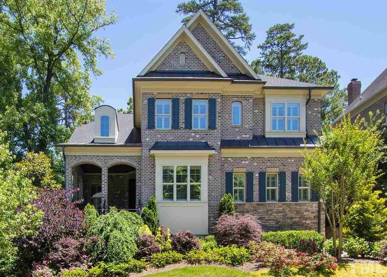 2912 Glenanneve Place Raleigh, NC 27608
