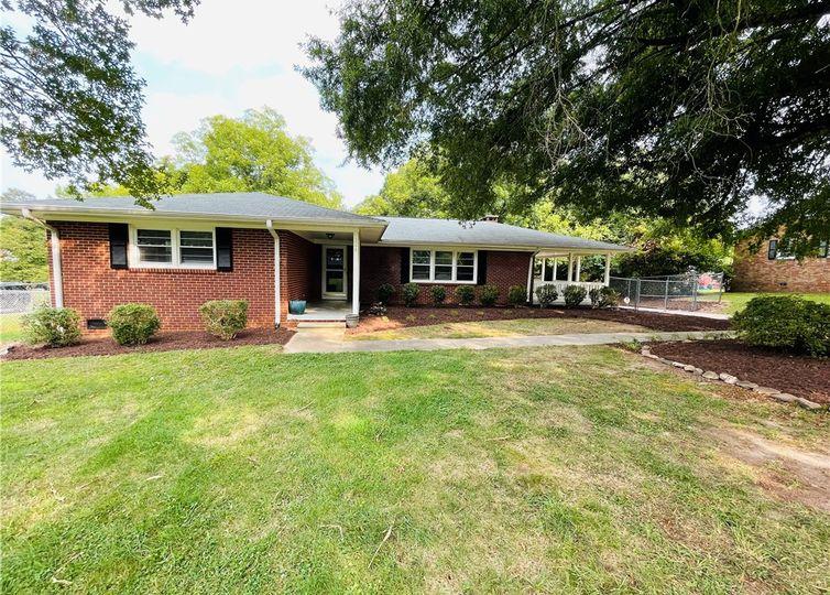 224 Collinwood Drive Burlington, NC 27215