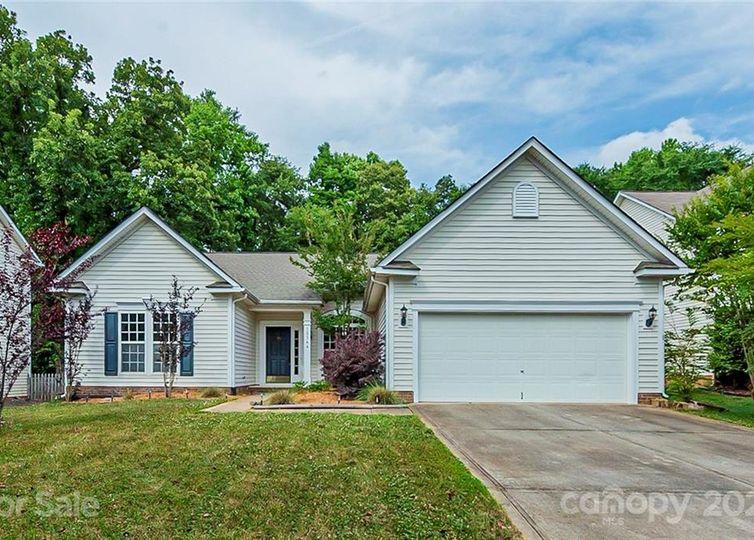 12544 Cardinal Woods Drive Pineville, NC 28134