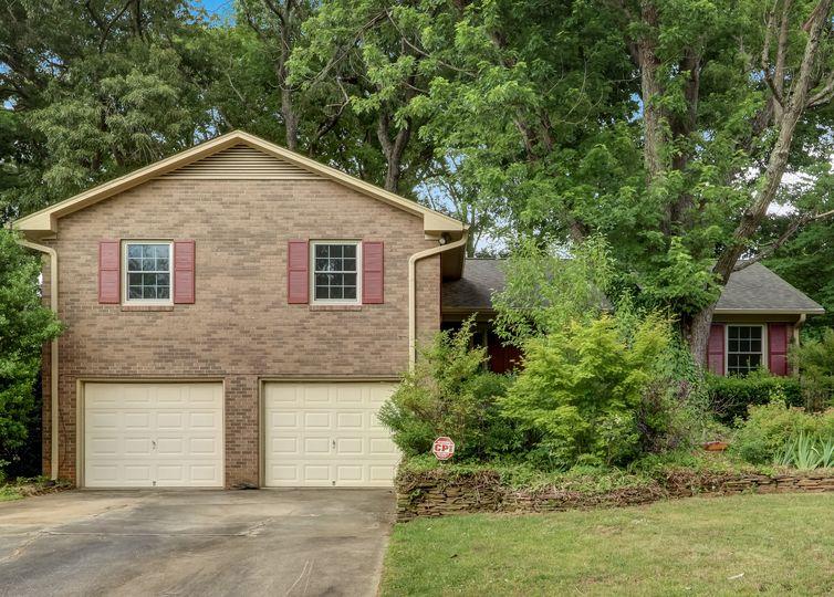 906 Monticello Street Greensboro, NC 27410
