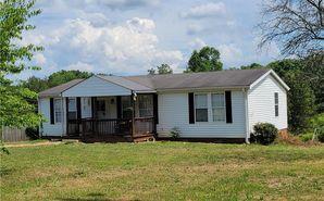 1060 Clayton Road Pinnacle, NC 27043 - Image
