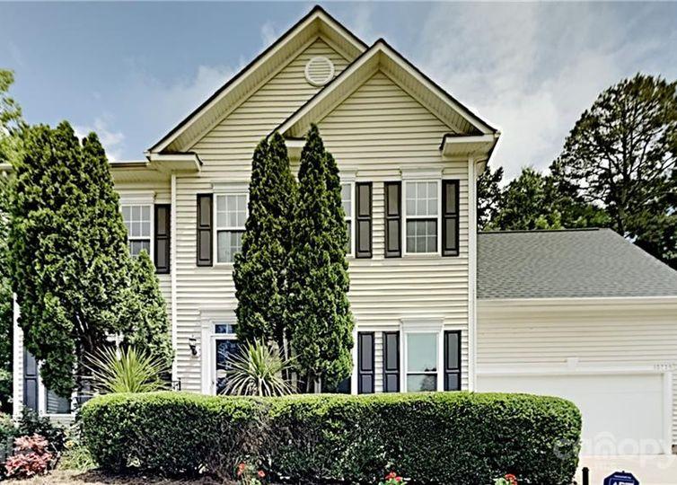 13735 Bluffton Court Pineville, NC 28134