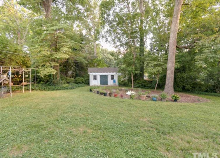 2846 Forestdale Drive photo #1