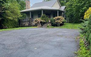 585 Elk Street Newland, NC 28657 - Image 1