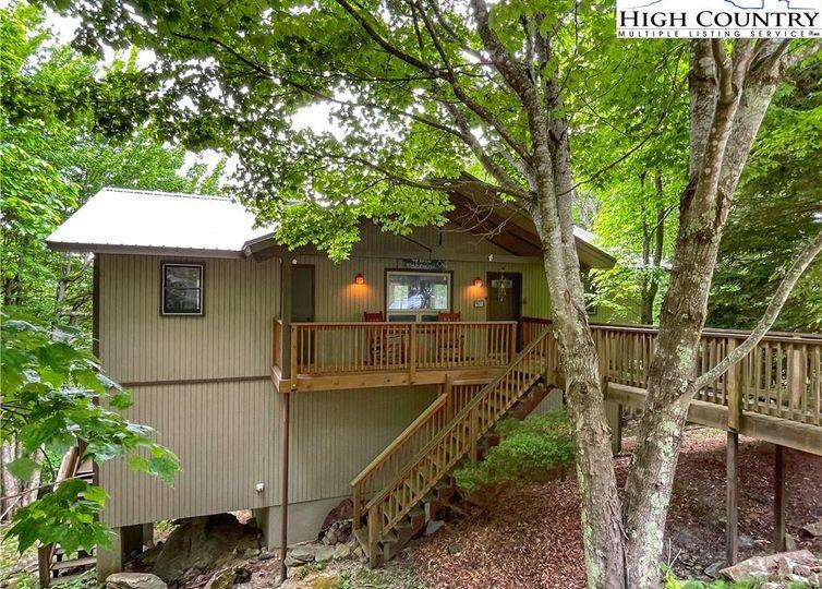 106 Columbine Lane Beech Mountain, NC 28604