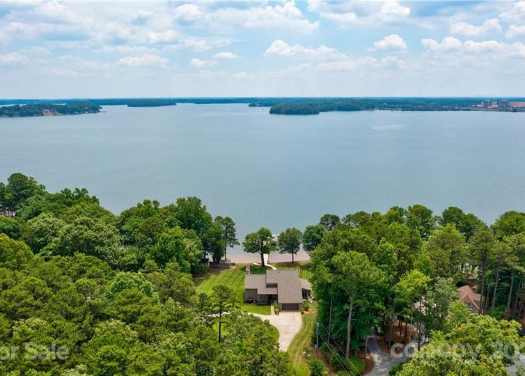 8383 Luckey Point Road Denver, NC 28037