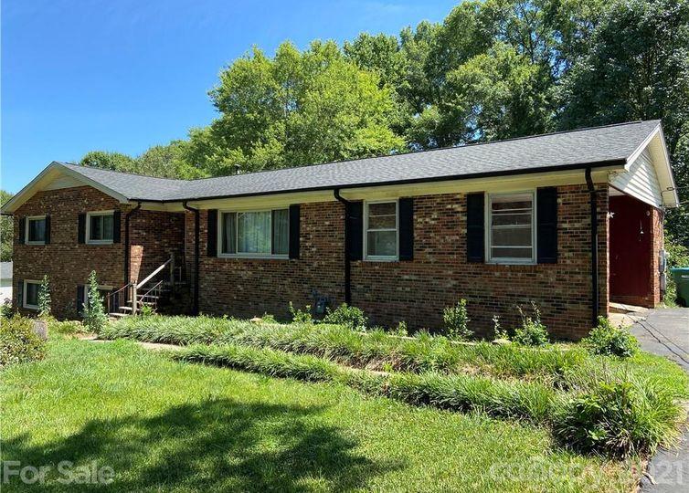 234 Woodside Drive Harrisburg, NC 28075