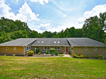 402 Mount Forest Circle Easley, SC 29640 - Image 1