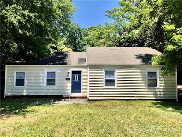 131 Smallwood Place Charlotte, NC 28216 - Image 1