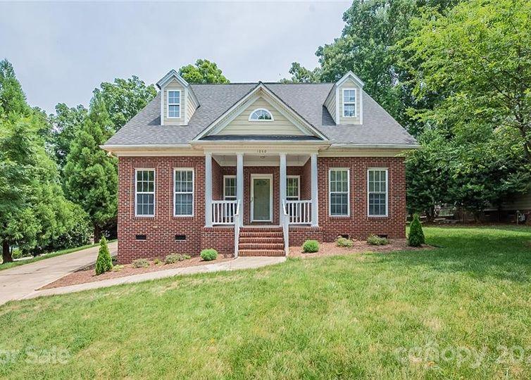 1060 Garibaldi Ridge Court Belmont, NC 28012